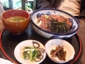 ステーキ丼.jpg