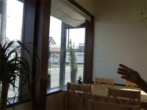 窓辺.jpg